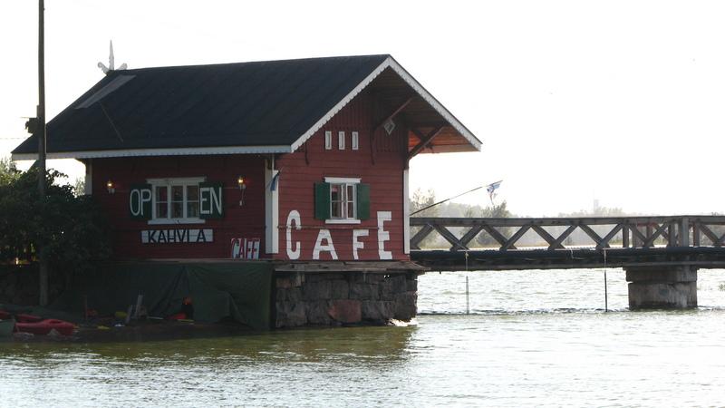 Café dans Helsinki en bord eau
