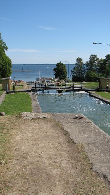 canal Gota vers stockholm se jette dans le lac avec de nombreuses écluses
